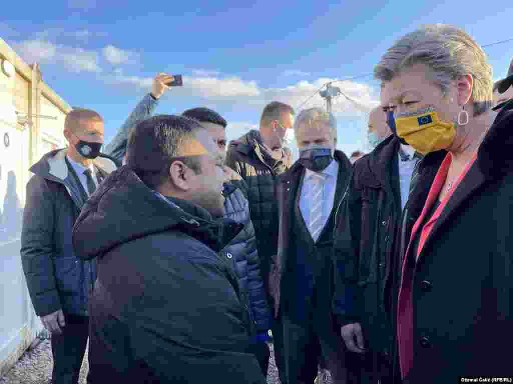 """Povjerenica EU za unutrašnje poslove Ylva Johansson je u obraćanju Evropskom parlamentu 19. januara pozvala vlasti BiH da pokažu odgovornost u spašavanju ljudskih života. (U kampu """"Lipa"""" 18 februara 2021.)"""