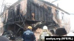 Разрушенный в результате взрыва дом. Шымкент, 21 декабря 2014 года.