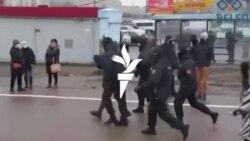 Belarusz: a tömeg nem adja föl