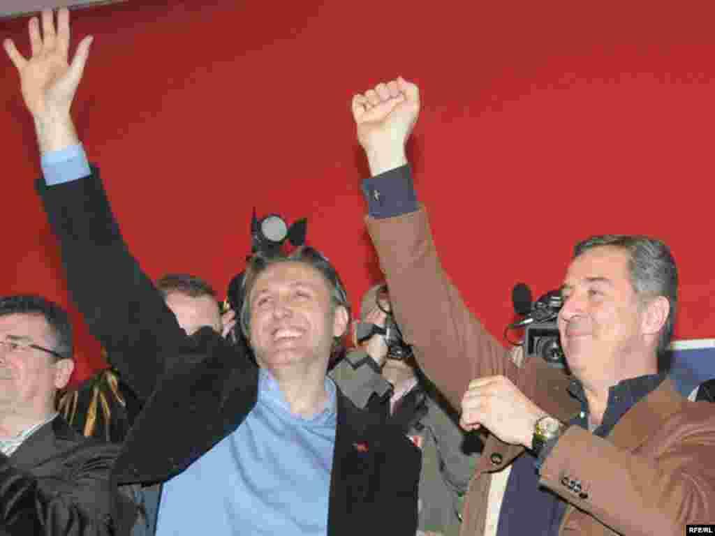 Podgorica, Ranko Krivokapić i Milo Đukanović nakon pobjede na izborima, 30.03.2009. Foto: Savo Prelević