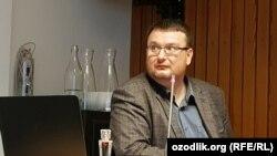 Лондондаги Silk Road Media нашриёти раҳбари Марат Аҳмeджонов.