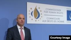 Еуропа Кеңесінің адам құқықтары жөніндегі комиссары Нильс Муйжниекс.