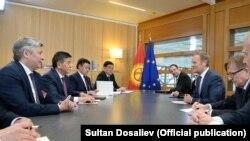 ЕБнын президенти Дональд Тусктун кыргызстандык делегация менен жолугушуусу.