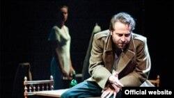 """Rusiyada Dostoyevskinin romanı əsasında """"Karamazov qardaşları"""" tamaşası, 2011"""