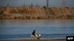 دریای آمو سرحد میان افغانستان و ازبکستان