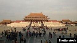 На площади в Пекине. Иллюстративное фото.