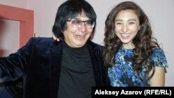 Марат Бисенғалиевтің қызы Аруханмен түскен суреті. Алматы, 10 қазан 2012 жыл.