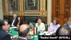 Архивска фотографија на делегација во австрискиот Парламент, Виена, 07 јуни 2011