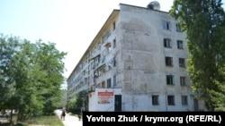 Севастопольское общежитие на проспекте Генерале Острякова, 39. Июль 2019 года