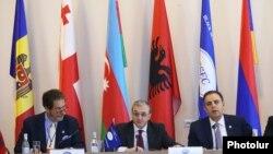 Երևան են ժամանել Ադրբեջանի և Թուրքիայի բարձրաստիճան դիվանագետներ