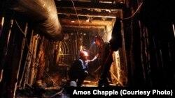 Горняки в шахте (архивное фото)