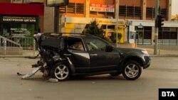 """Колата на журналиста Милен Цветков след удара с джипа """"Ауди Q7"""" навръх Великден"""