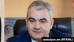 Сын Галуста Саакяна Арман Саакян (архив)