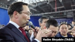 Ëқутистон ҳукумати раҳбари Айсен Николаев 18 март кунги аксилмуҳожир митингида.