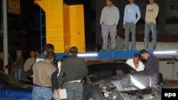 بازرسی پلیس از محل ترور پی یر جمیل