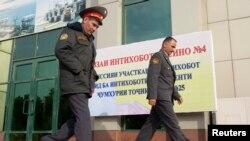 Сотрудники милиции в Душанбе.