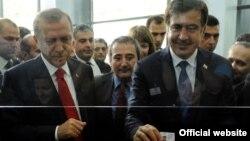 Վրաստանի նախագահ Միխեիլ Սաակաշվիլին և Թուրքիայի վարչապետ Ռեջեփ Էրդողանը Սարպիի արդիականացված սահմանային անցակետի բացման ժամանակ, 31-ը մայիսի, 2011թ․