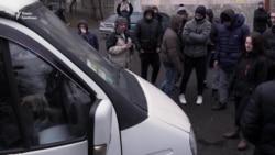 Активісти блокують виїзд з Лук'янівського СІЗО (відео)
