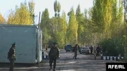 Сох анклавына кире бериштеги кыргыз чек ара бекети.