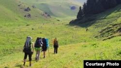 Туристы в горах Кыргызстана. Иллюстративное фото