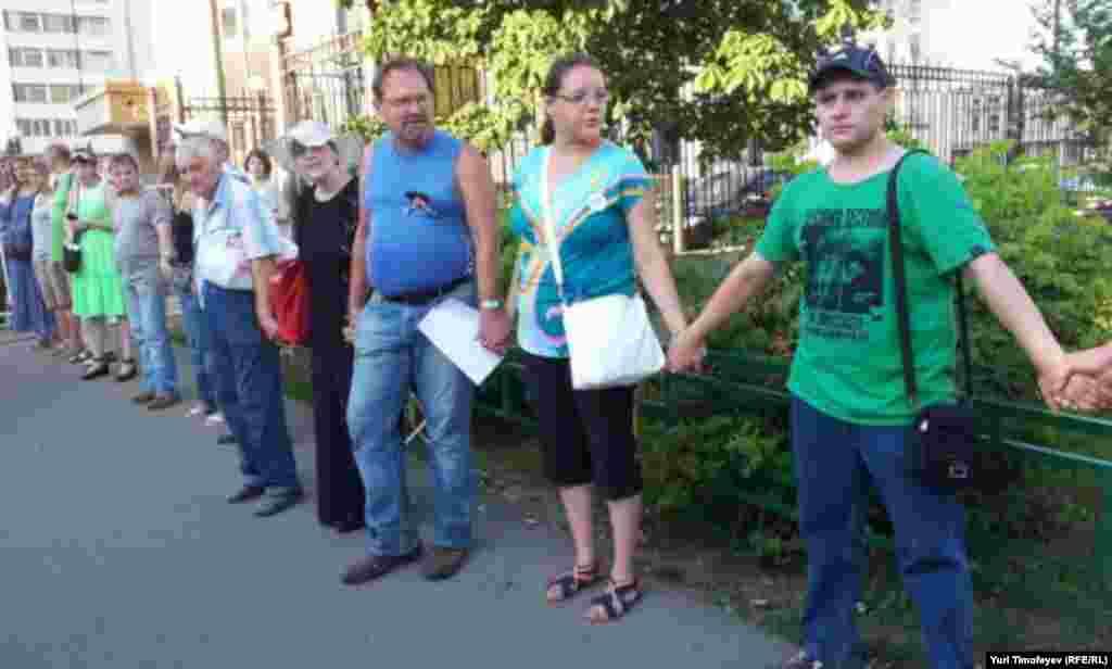 Удальцов ушел с #оккупайск. Попросил товарищей постоять еще полчаса