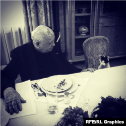 """Кадр из фильма Виталия Манского """"Горбачев. Рай мама"""""""