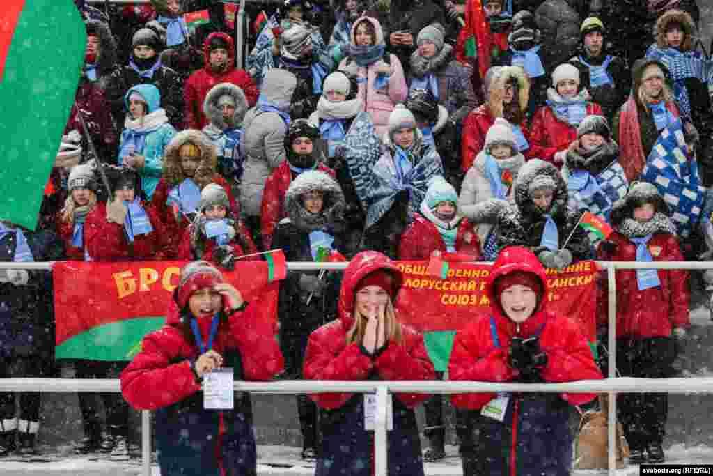 Организаторы турнира заявляют, что биатлон может стать путевкой вжизнь ипрофессией. В качестве примера они приводят белорусских биатлонисток, выигравших золото на зимней Олимпиаде в южнокорейском Пхёнчхане в феврале.