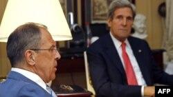 Secretarul de stat american John Kerry la întîlnirea cu ministrul rus de externe Sergei Lavrov
