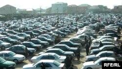 Bakıda avtomobil bazarı