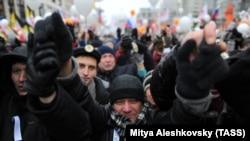"""Митинг оппозиции """"За честные выборы"""" на проспекте Сахарова. Москва, 24 декабря 2011 года. Иллюстративное фото."""