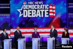 مناظره میان حزبی میان اعضای حزب دموکرات که میخواستند نامزد این حزب در انتخابات ریاست جمهوری امسال امریکا شوند.