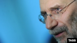 Борис Акунін