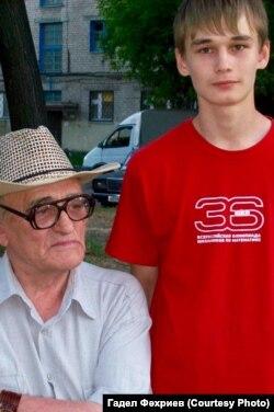 Татарский писатель Фанзаман Баттал (1939-2015) с внуком Азатом Мифтаховым
