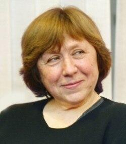 Светлана Алексиевич - о памяти поколений и военной прозе