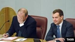 После двух президентских сроков Владимир Путин мог позволить себе пройти через процедуру утверждения премьером с закрытыми глазами