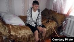Екі аяғынан айырылған Иван Рожнов. Петропавл, 20 қазан 2012 жыл.