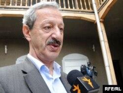 «Грузия арманы» коалициясының депутаты, заңгер Вахтанг Хмаладзе. Тбилиси, 13 қазан 2009 жыл.