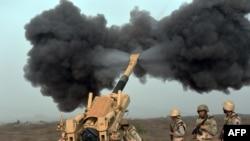 Йемен территориясын атқылап жатқан Сауд Арабиясы артиллериясы. 13 сәуір 2015 жыл.