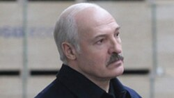 Lukaşenka Aşgabada 'pul üçin barýar'