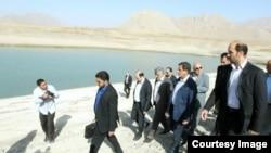 Esagh Jahangiri, vice president of Iran visits a dam near Tehran, Sep20, 2014