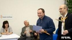 Сергей Урсуляк, режиссер сериала «Ликвидация» получает приз «Клуба телепрессы»