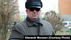 Незрячий Александр Морозов уже пять лет пытается вернуться на работу