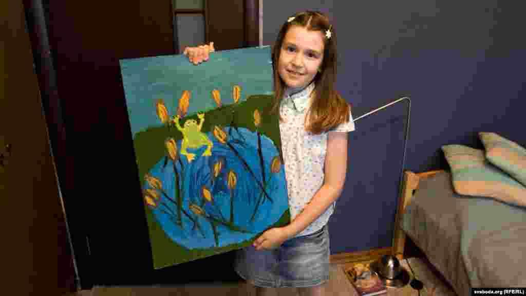 10-річна Женя з Мінська каже: «Хочу стати дизайнером меблів. Жити в Лондоні. Але поки мрію з'їздити в Гомель, де живе моя бабуся. Дуже сумую за нею».