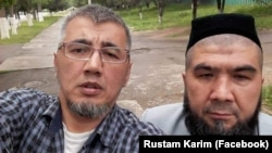 Рустам Каримов (чапда) ва Тўлқин Астанов.