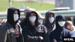 Эксперты говорят, что в нынешнем году правоохранительные органы стали активно преследовать членов националистических группировок.