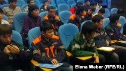 Рабочая молодежь в Темиртау. 6 ноября 2012 года.