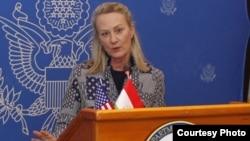 АҚШ мемлекеттік хатшысының Оңтүстік және Орталық Азия істері бойынша көмекшісінің орынбасары Элис Уэллс.