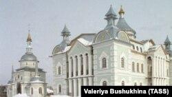 Orenburg regionynyň Saraktaş şäherinde ýerleşýän Mukaddes Üçlük ybadathanasy