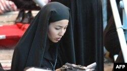 Roxana Saberi in Tehran in June 2004
