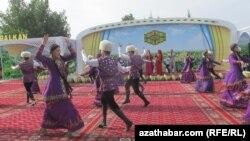 Праздник в Туркменистане (архивное фото)